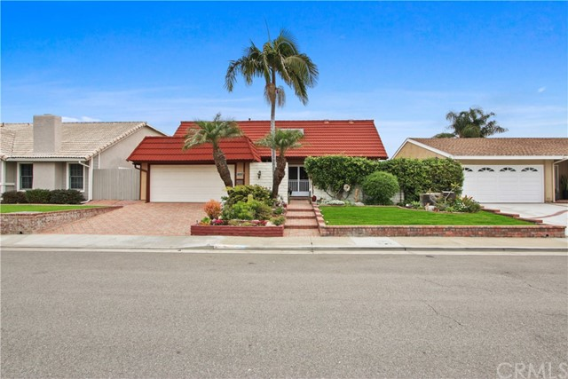 9333 Grackle Avenue, Fountain Valley, CA 92708