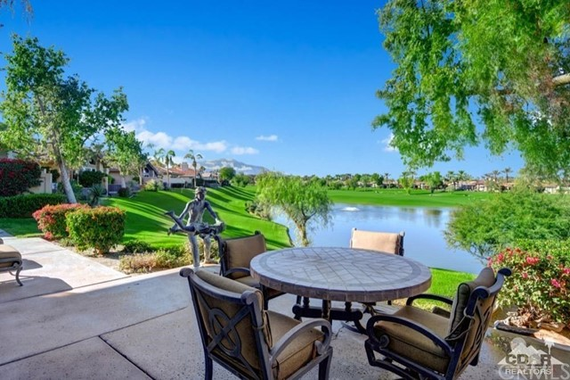 930 Deer Haven Circle, Palm Desert, CA 92211