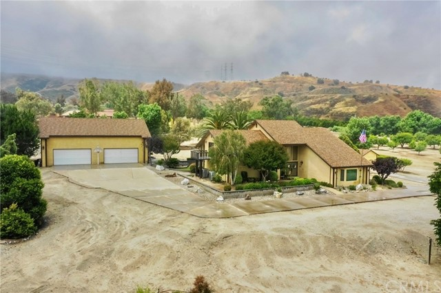 Photo of 28450 Live Oak Canyon Road, Redlands, CA 92373