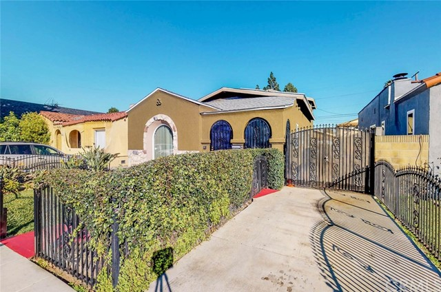 2432 Caspian Avenue, Long Beach, CA 90810