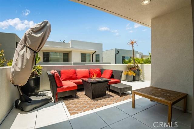 18. 5243 Pacific Terrace Hawthorne, CA 90250
