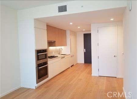 877 Francisco Street 2403, Los Angeles, CA 90017