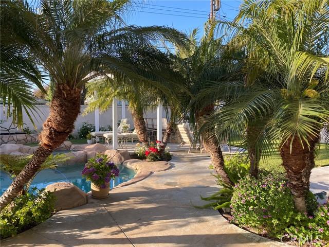 55. 2016 Calvert Avenue Costa Mesa, CA 92626