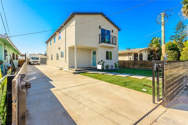 520 W 94th Street, Los Angeles, CA 90044