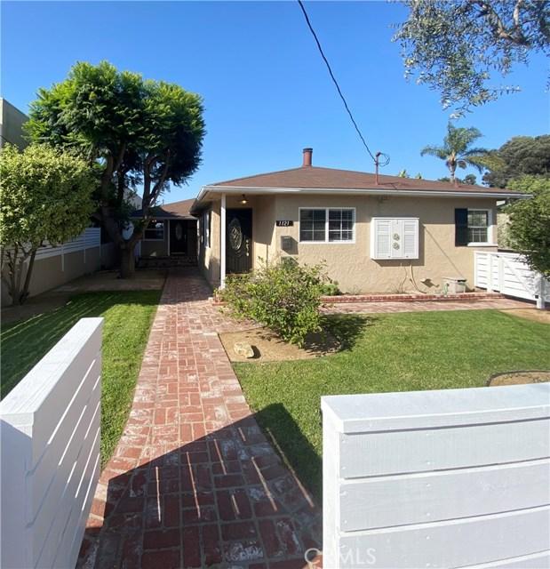 1121 9th Street, Manhattan Beach, California 90266, 2 Bedrooms Bedrooms, ,1 BathroomBathrooms,For Rent,9th,SB20252931
