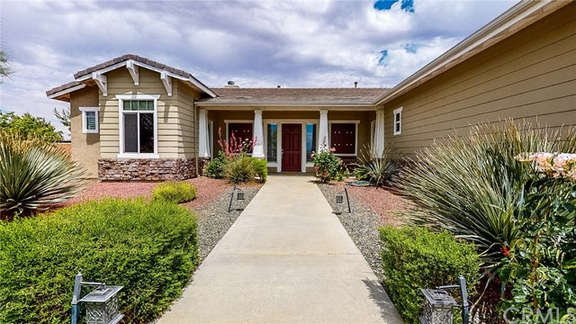 20298 Cameo Road, Apple Valley, CA 92308