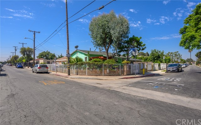 21. 2060 E 131st Street Compton, CA 90222