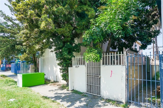 8315 S Central Avenue, Los Angeles, CA 90001