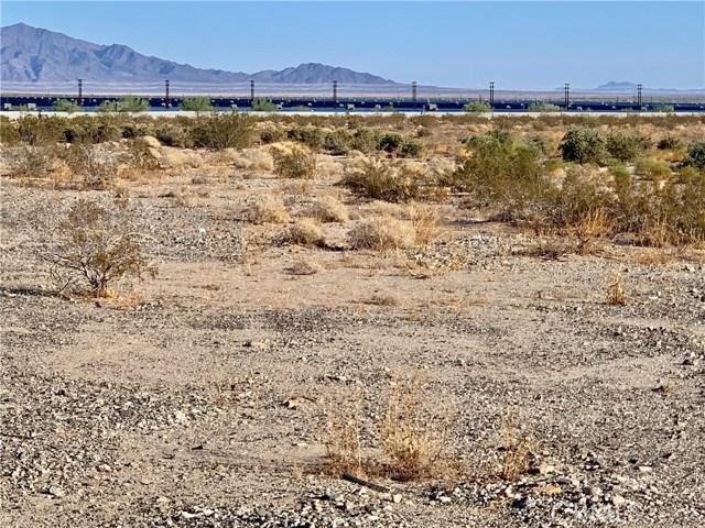 1 807 130 037, Desert Center, CA  Photo 2