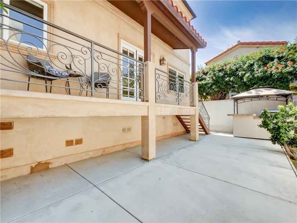 817 Garnet Street, Redondo Beach, California 90277, 3 Bedrooms Bedrooms, ,3 BathroomsBathrooms,For Sale,Garnet,PV19249654