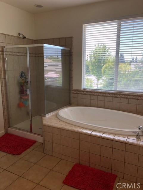 2705 N Crowe St, Visalia, CA 93291 Photo 12