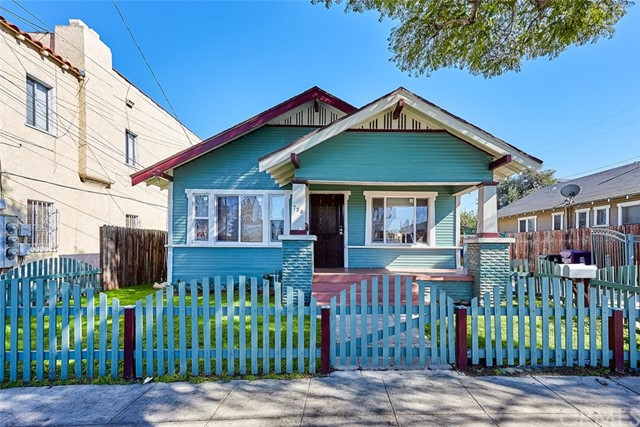736 Walnut Avenue, Long Beach, CA 90813
