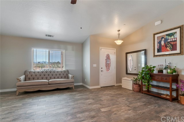 13470 Cromdale St, Oak Hills, CA 92344 Photo 6