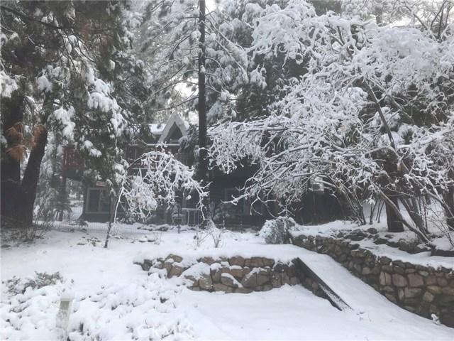 516 Spring Lane, Green Valley Lake, CA 92341