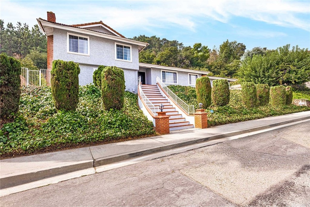 1950  Old Canyon Drive