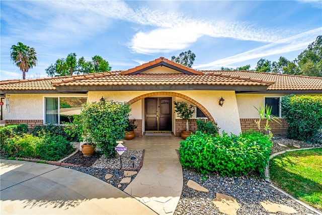 15925 Stoney Creek Drive, Riverside, CA 92504