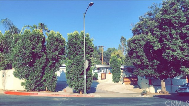 5016 Dunman Ave, Woodland Hills, CA 91364
