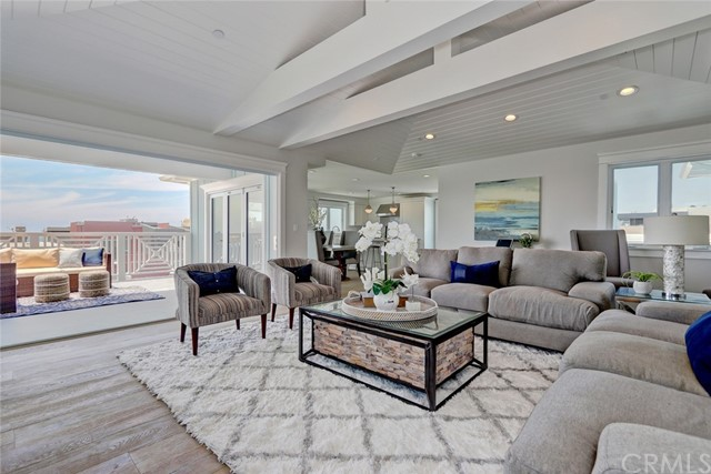 700 Loma Drive- Hermosa Beach- California 90254, 3 Bedrooms Bedrooms, ,3 BathroomsBathrooms,For Sale,Loma,SB18137113