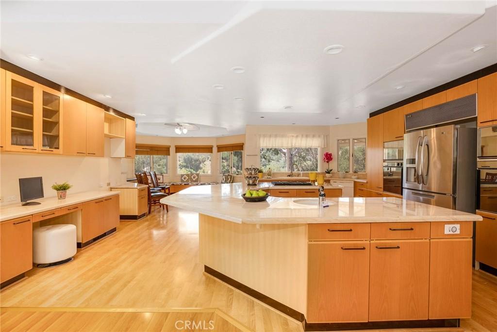 房产卖价 : $170.00万/¥1,170万