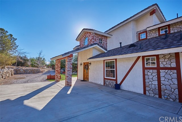 20767 Sunset Drive, Apple Valley, CA 92308