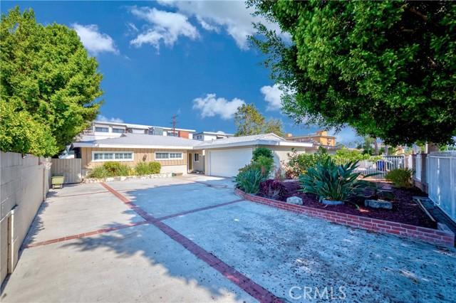 2. 7002 Van Noord Avenue North Hollywood, CA 91605