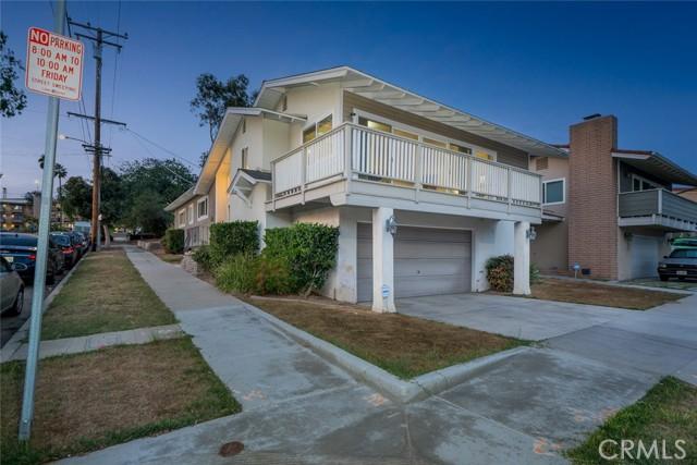 1760 Loma Avenue, Long Beach CA: https://media.crmls.org/medias/2a4f8b7b-e4f2-459c-99f1-9c72d5cde385.jpg
