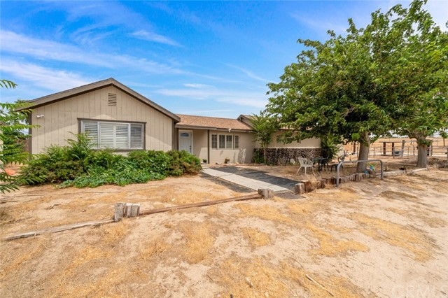19916 Grande Vista Street, Apple Valley, CA 92308