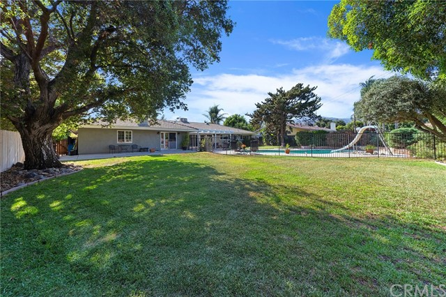 40. 306 N Valley Center Avenue Glendora, CA 91741