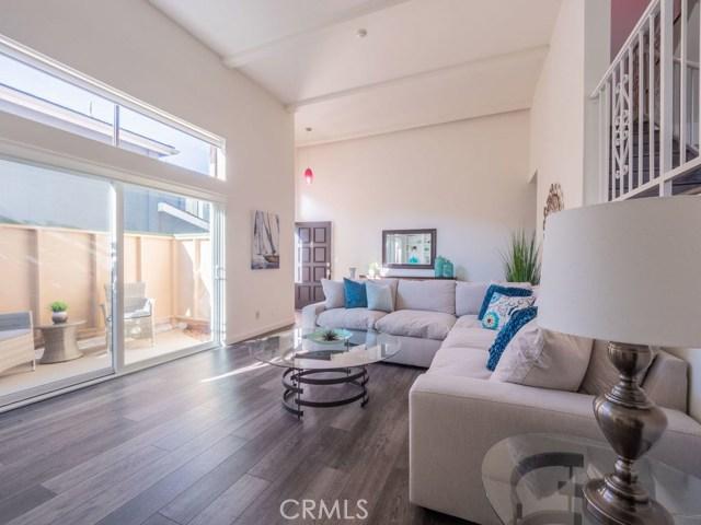 721 Irena Avenue E, Redondo Beach, California 90277, 3 Bedrooms Bedrooms, ,1 BathroomBathrooms,For Sale,Irena,SB18255216