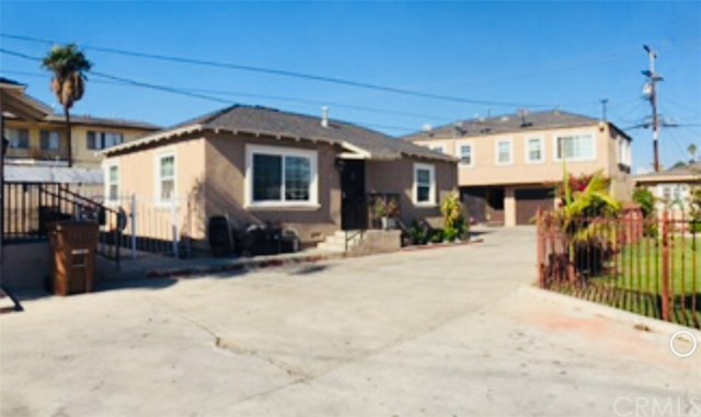 1425 W 105th Street, Los Angeles, CA 90047