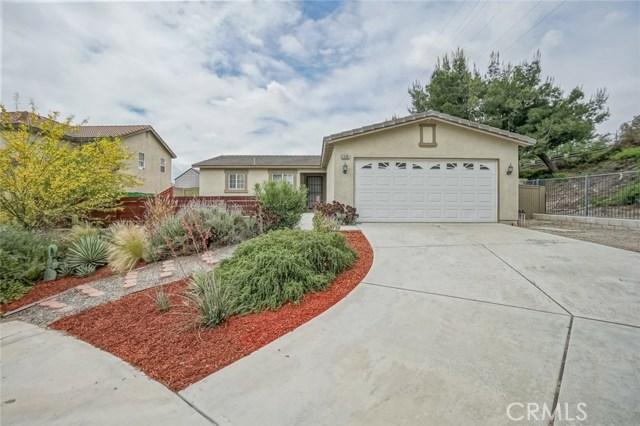 1590 Campana Court, Colton, CA 92324