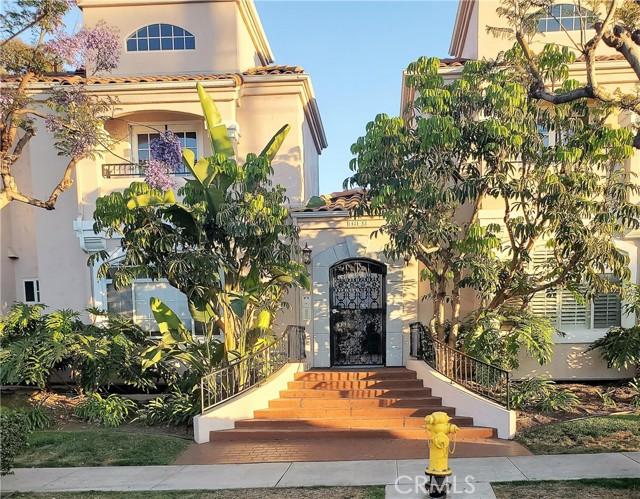 1439 Robinson Avenue, San Diego, CA 92103