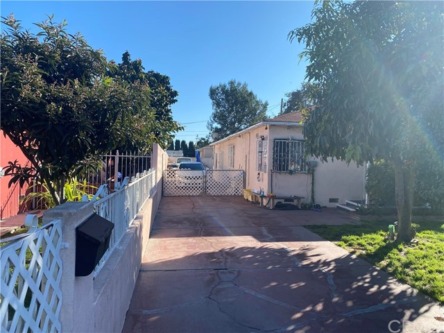 6008 Heliotrope Avenue, Maywood, CA 90270
