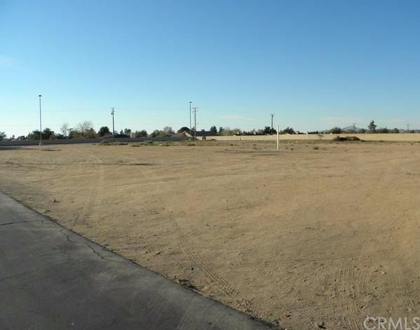 21650 Bear Valley Road, Apple Valley, CA 92308