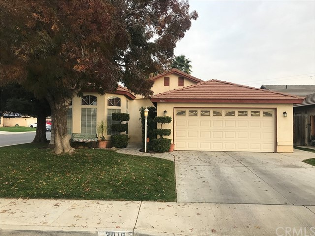 3018 Loon Court, Bakersfield, CA 93312