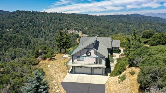 462 Canyon Court, Crestline, CA 92325