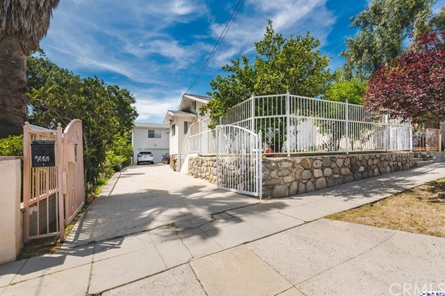9839 Haines Canyon Avenue, Tujunga, CA 91042