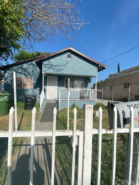 9502 Maie Ave, Los Angeles, CA 90002