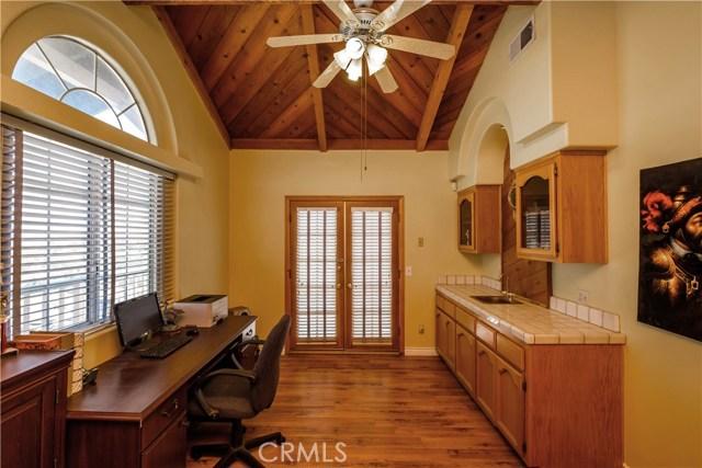 9063 Joshua Rd, Oak Hills, CA 92344 Photo 38