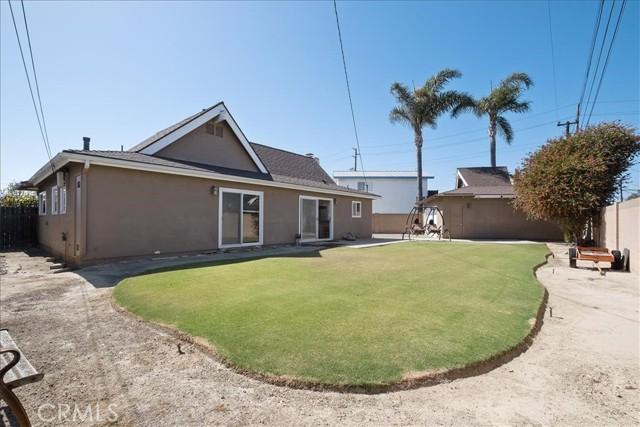 25. 22022 Hula Circle Huntington Beach, CA 92646