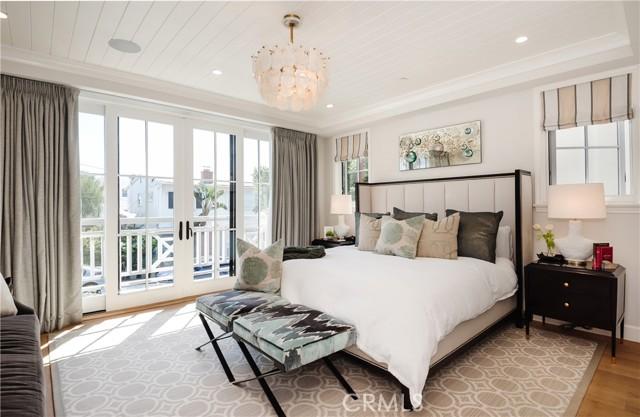 217 28th Street, Hermosa Beach, California 90254, 5 Bedrooms Bedrooms, ,4 BathroomsBathrooms,For Sale,28th,SB21044971