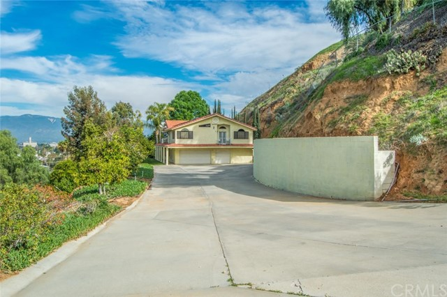 1815 Hill Top Dr., Colton, CA 92324