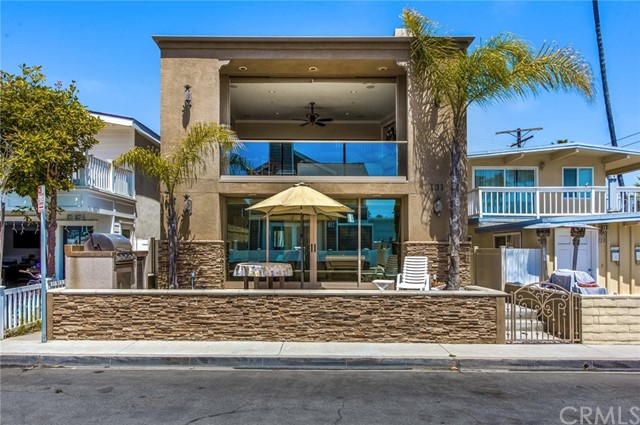 131 44th Street, Newport Beach, CA 92663