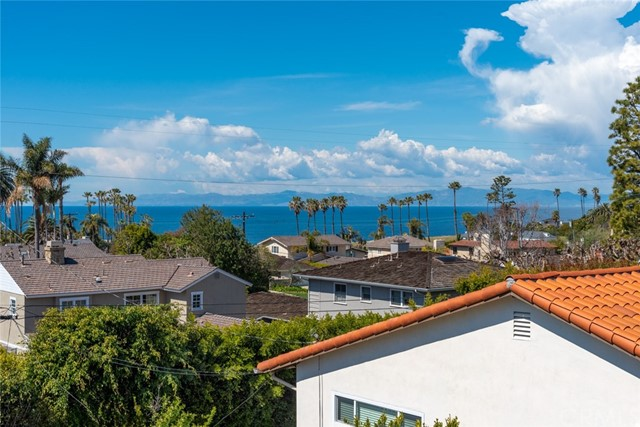 2129 Thorley Road, Palos Verdes Estates, California 90274, 4 Bedrooms Bedrooms, ,5 BathroomsBathrooms,For Sale,Thorley,SB20221849