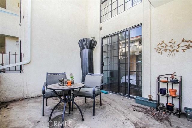 245 S Holliston Av, Pasadena, CA 91106 Photo 17