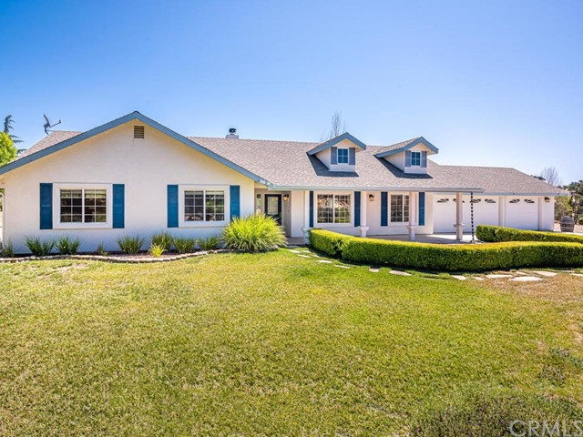 5668 Lone Pine Place, Paso Robles, CA 93446