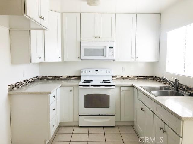 21112 Ladeene Avenue B, Torrance, CA 90503