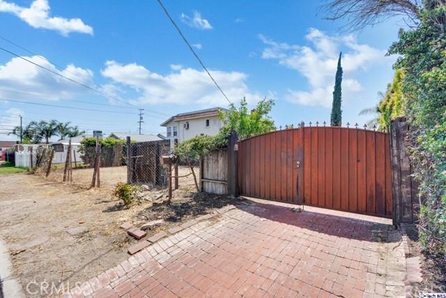 7611 Ben Avenue, North Hollywood, CA 91605