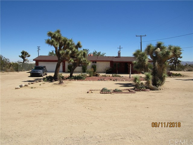 3913 Lennox Ave, Yucca Valley, CA 92284-8681