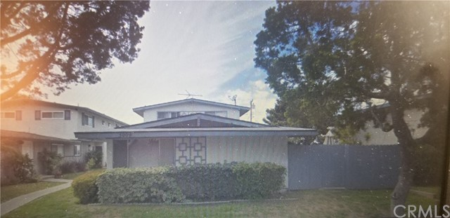 3009 Coolidge Avenue, Costa Mesa, CA 92626